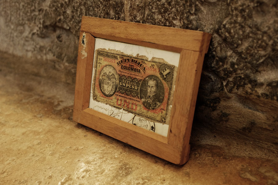 Vintage frame available at http://www.mr-cup.com/shop/found.html